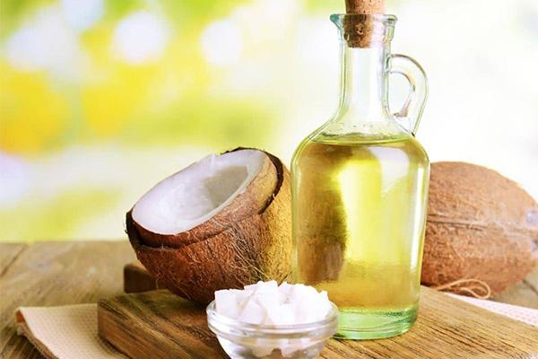 Cách trị nám và tàn nhang từ thiên nhiên dầu dừa