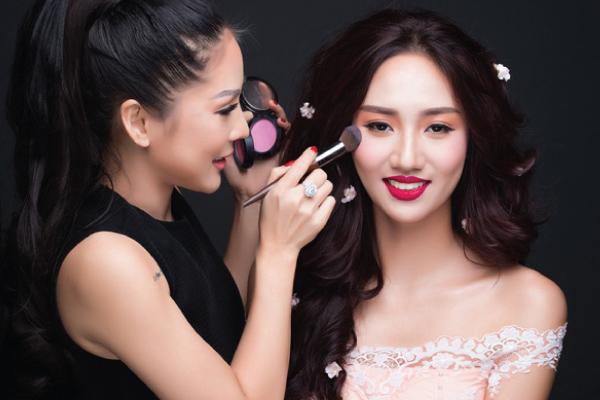 Tina Lê Make Up