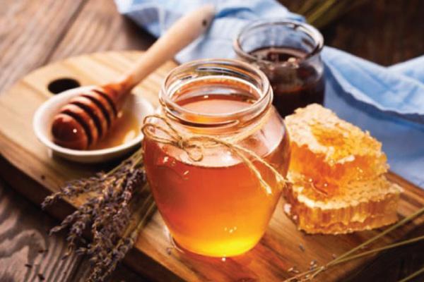 Những lưu ý khi dùng cách trị tàn nhang tại nhà bằng mật ong